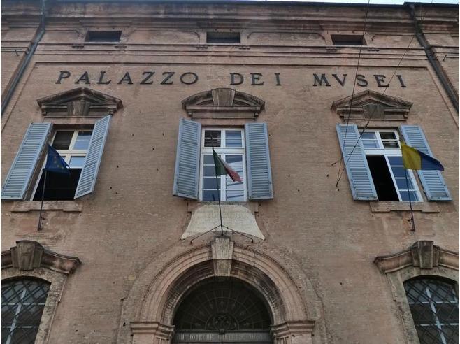 Модена: родина Лучано Паваротти, Энцо Феррари и Васко Росси