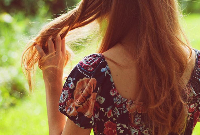 Всегда избегайте прикосновений к вашим волосам! Будьте осторожны!