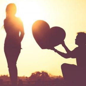 10 способов, как он кричит тебе о любви, а ты не слышишь