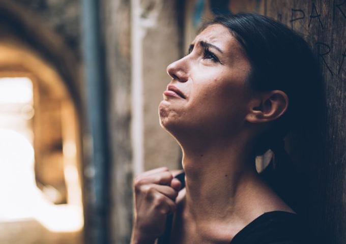 Психосоматика: как плачет тело за невыплаканные слезы