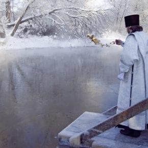 Чем отличается Крещенская вода 18 января от воды 19 января?