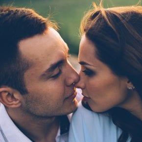 Как отличить зрелую любовь от эмоциональной зависимости?