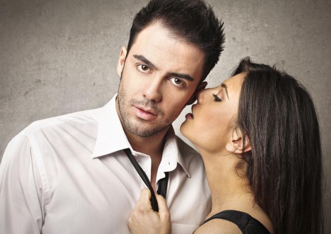 Мудрая женщина, зная Знак Зодиака мужчины, легко покоряет его