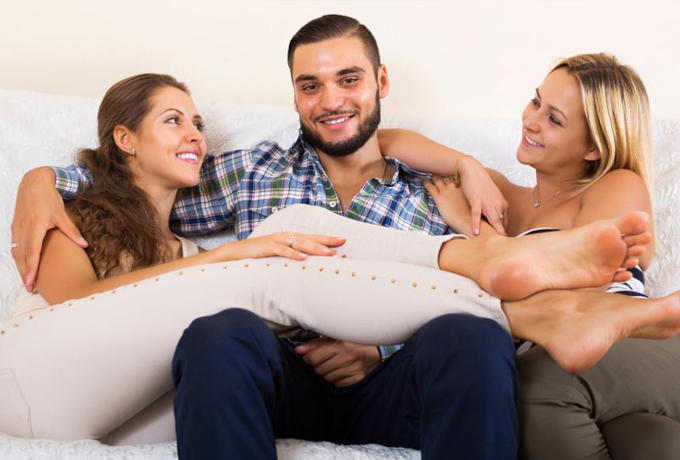 Стоит ли разрешить мужу близость с другими женщинами?