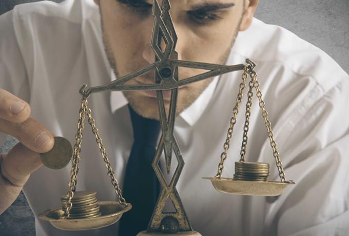 Жадный мужчина: Как мужская жадность разрушает женщину