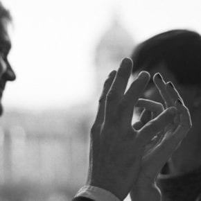 4 тонких способа создать между вами эмоциональную близость