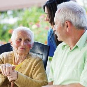 4 правила, которые сделают вас неуязвимыми в общении с пожилыми родителями