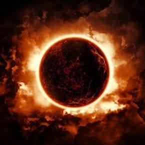Солнечное затмение 21 августа: чем опасен этот день