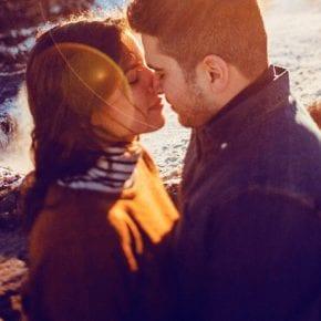 7 признаков того, что он влюблен в вас, даже если он не говорит об этом