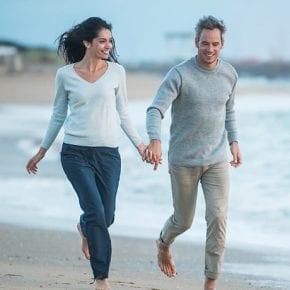 Чем счастливее человек живет, тем проще он одевается