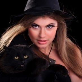 Не выходят ведьмы замуж — они котов заводят. Чёрных.