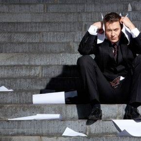 Основные привычки несчастных людей. Как их избежать?