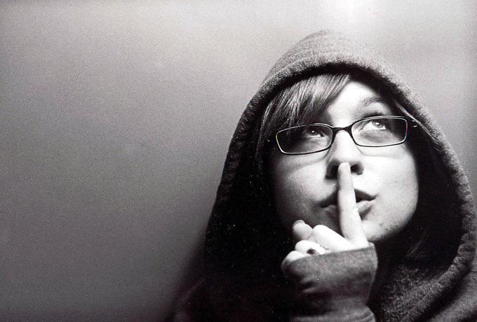 10 cитуаций в жизни, когда нам лучше промолчать