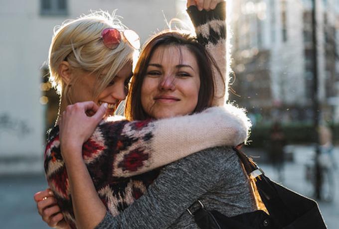 10 причин, почему Близнецы — это самые сумасшедшие друзья
