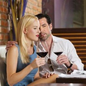 3 способа, которые помогут определить, что твой партнер врет