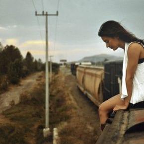 """8 причин, почему мужчины не могут общаться с """"глубокой"""" женщиной"""