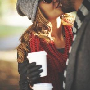 18 признаков того, что он действительно любит вас