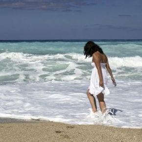 Вот почему нейробиологи рекомендуют регулярно посещать пляж
