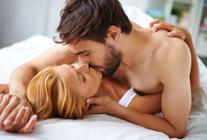 9 привычек счастливых пар, которые не теряют страсти в своих отношениях