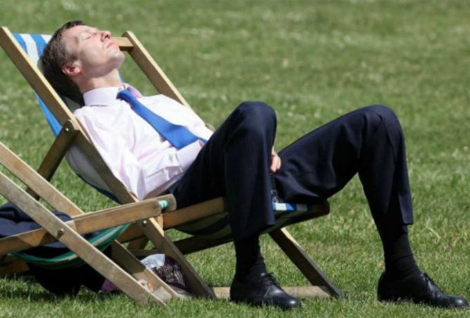 Эксперты говорят, что люди старше 40 лет должны работать менее 40 часов в неделю!