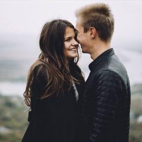 16 признаков, что существует химия между двумя людьми