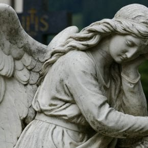 Как каждый Знак Зодиака выражает грусть