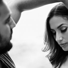 10 способов сказать партнеру о своих чувствах (не произнося ни слова)