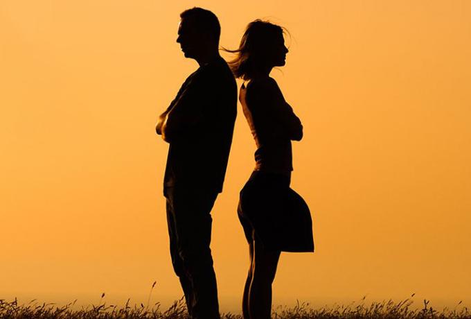 Если ваш мужчина говорит вам эти 7 фраз  — немедленно от него уходите!