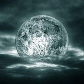 Почему нельзя очень долго смотреть на Луну?