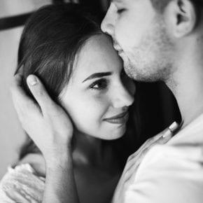 11 признаков того, что ваш партнер вас на самом деле не любит