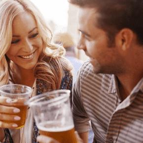 5 признаков того, что из-за вашего партнера вы набираете вес (и как это исправить)
