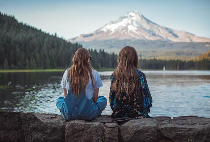Почему вы все еще дружите с людьми, которых терпеть не можете