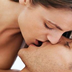 Как целуются разные знаки Зодиака?