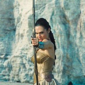 10 напоминаний о том, что женщины могут быть женственными и при этом сильными