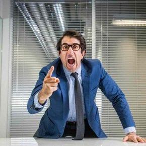 Исследования показывают, что плохой начальник может довести подчиненных до болезни