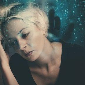 Как привычка жаловаться влияет на ваше здоровье (и меняет мозг – буквально)
