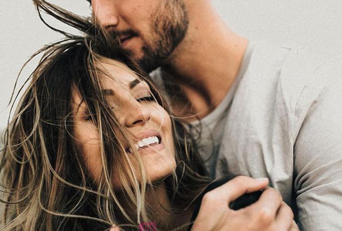 Как мужчины выражают свою любовь без слов в зависимости от знака Зодиака?