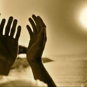 Читайте эту молитву об избавлении от долгов, и для вас наступят времена изобилия