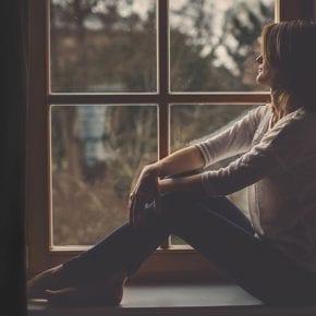 10 признаков того, что лучше уйти (даже если вы все еще любите партнера)