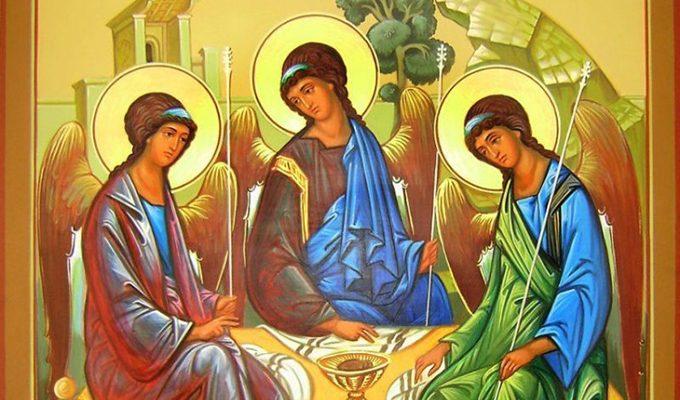 Читайте эти молитвы на Святую Троицу, они творят чудеса