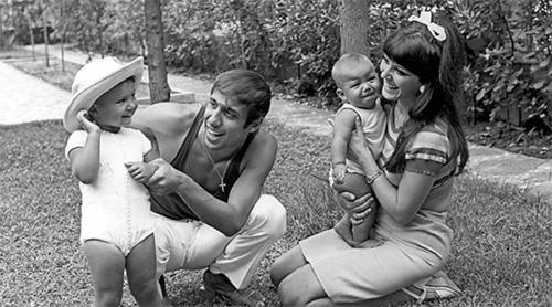 Любовь на всю жизнь: история Адриано Челентано и Клаудии Мори
